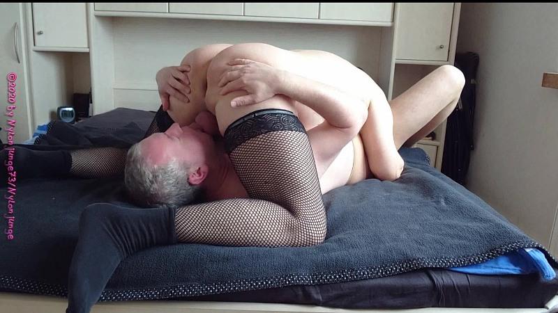 Zwei Geile BI Schwänze am Morgen 2.1 ** Nylon ** Gay Download Bild
